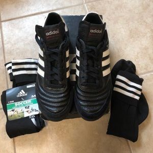Adidas Mundial Soccer Shoes